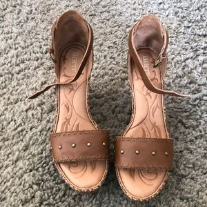 Born brand wedge shoes